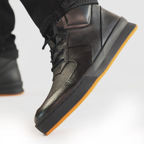 jeanblanc: All black leather sneaker vibe