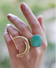 Load image into Gallery viewer, Turquoise Horseshoe Ring