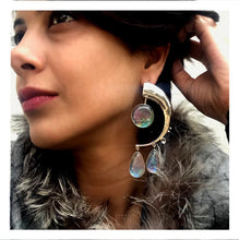 Load image into Gallery viewer, Lune Earrings