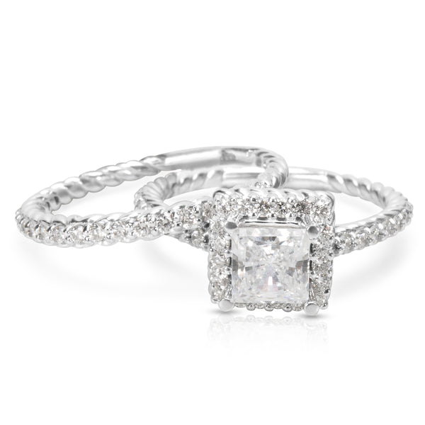 BRAND NEW Halo Diamond Bridal Set in 18K White Gold with Diamonds (0.70 CTW)