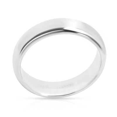 Tiffany & Co. Classic Wedding Band in Platinum (6 mm) Unisex