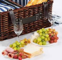 Valley Picnic Basket Set | 4 Person Service