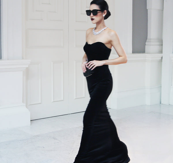 THE BLACK VELVET EVENING GOWN