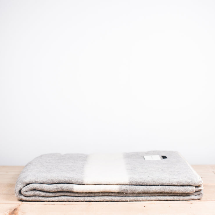 Siempre Recycled Alpaca Blanket - Light Heather
