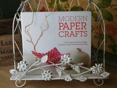 Modern Paper Crafts: A 21st-Century Guide to Folding, Cutting, Scoring, Pleating, and Recycling