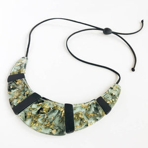 Eco-Resin Plaque Ne Ne Necklace