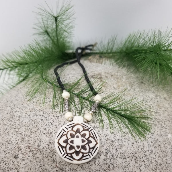 Essential Oil Flower Necklace