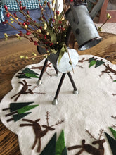 Load image into Gallery viewer, Reindeer Holiday Scene
