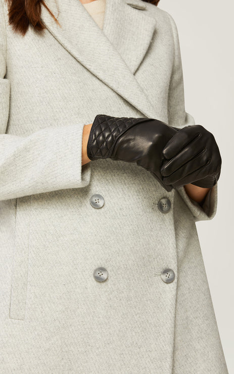 leath glove quilted detail-Claudean