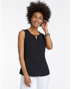 easy keyhole top (avail in black or white)