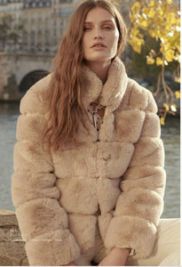 LAST ONE! faux fur relaxed coat fit hip length stand collar -Bea