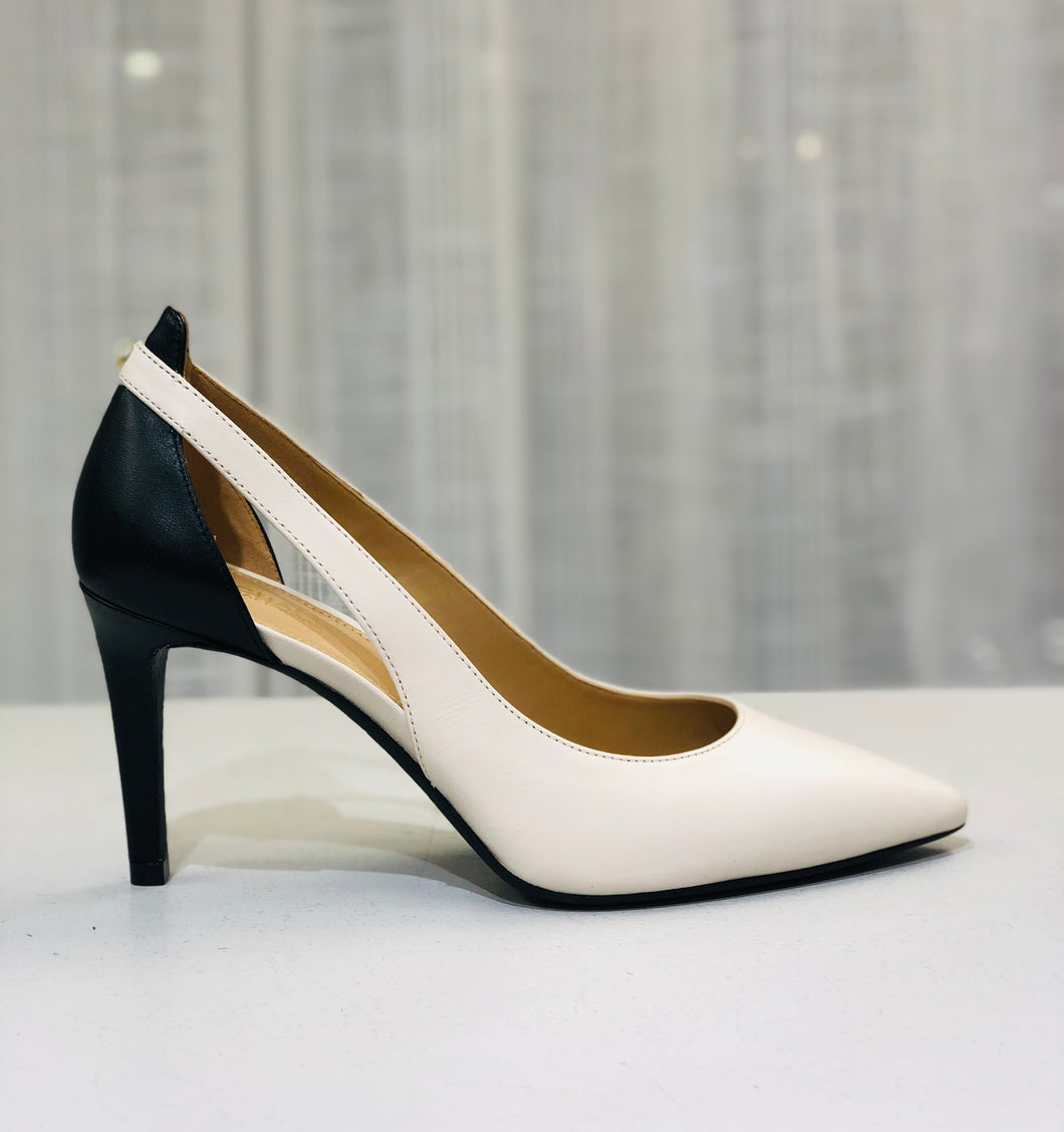 2 tone leather pump with cut out detailing