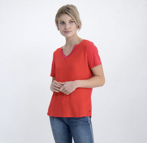 Notch neck silky t-shirt