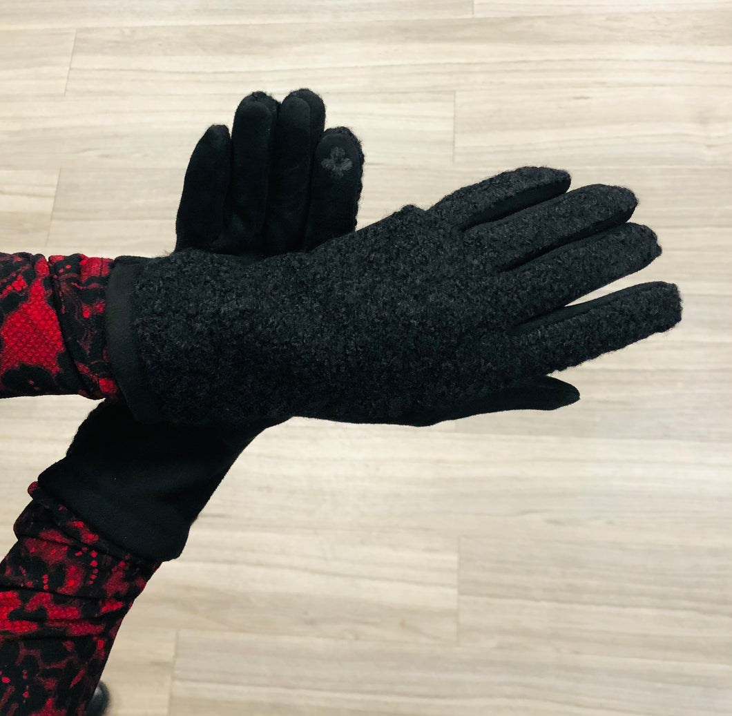 Black bouclay gloves with faux suede interior