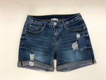 Dex denim roll bottom cuff short