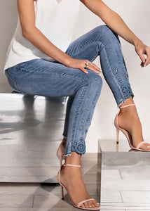 Stretch jean with embellished hem