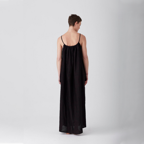 Black Iris Gathered Maxi Dress Medium