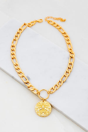 Thick chain with detail coin charm