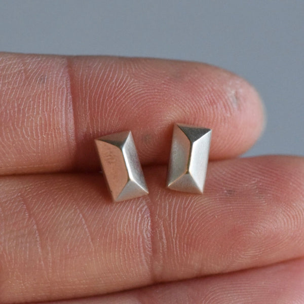 SAMPLE RECTANGLE PYRAMID STUDS