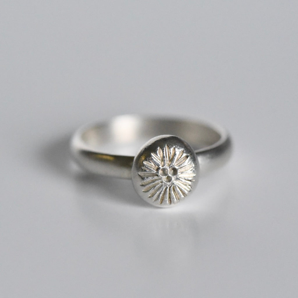 SAMPLE FLORAL RING - SIZE 8