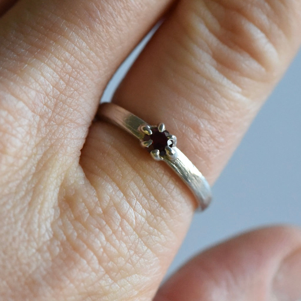 SAMPLE GARNET PRONG RING