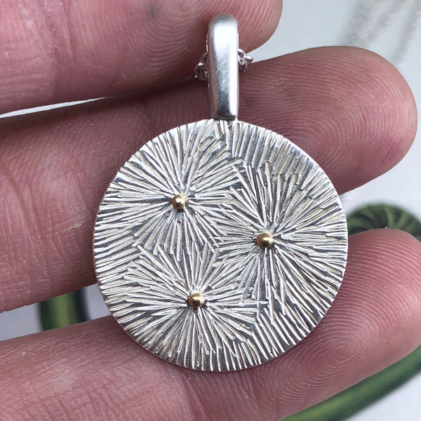 MEADOW MEDALLION NECKLACE