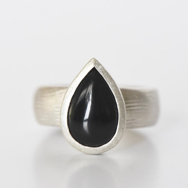 PEAR ONYX RING - SIZE 10.25