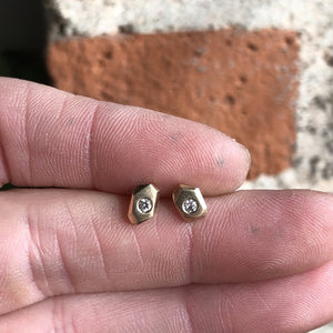 ASYMMETRICAL FACETED DIAMOND STUDS