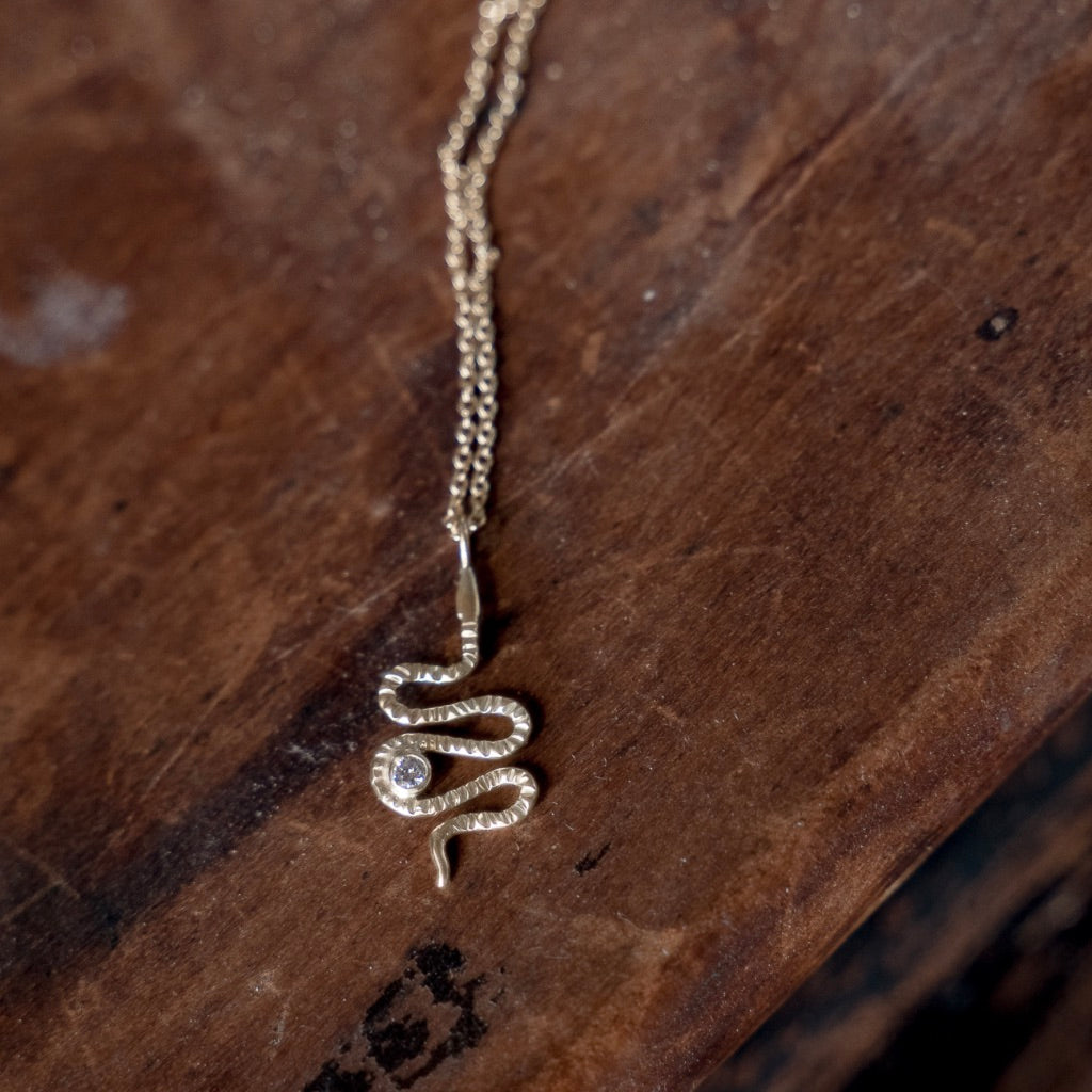 18K GOLD + DIAMOND SERPENT CHARM NECKLACE