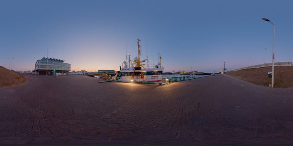Dutch Free 360° HDRI – 002 | Harbour scene with boats panoramic version 002b