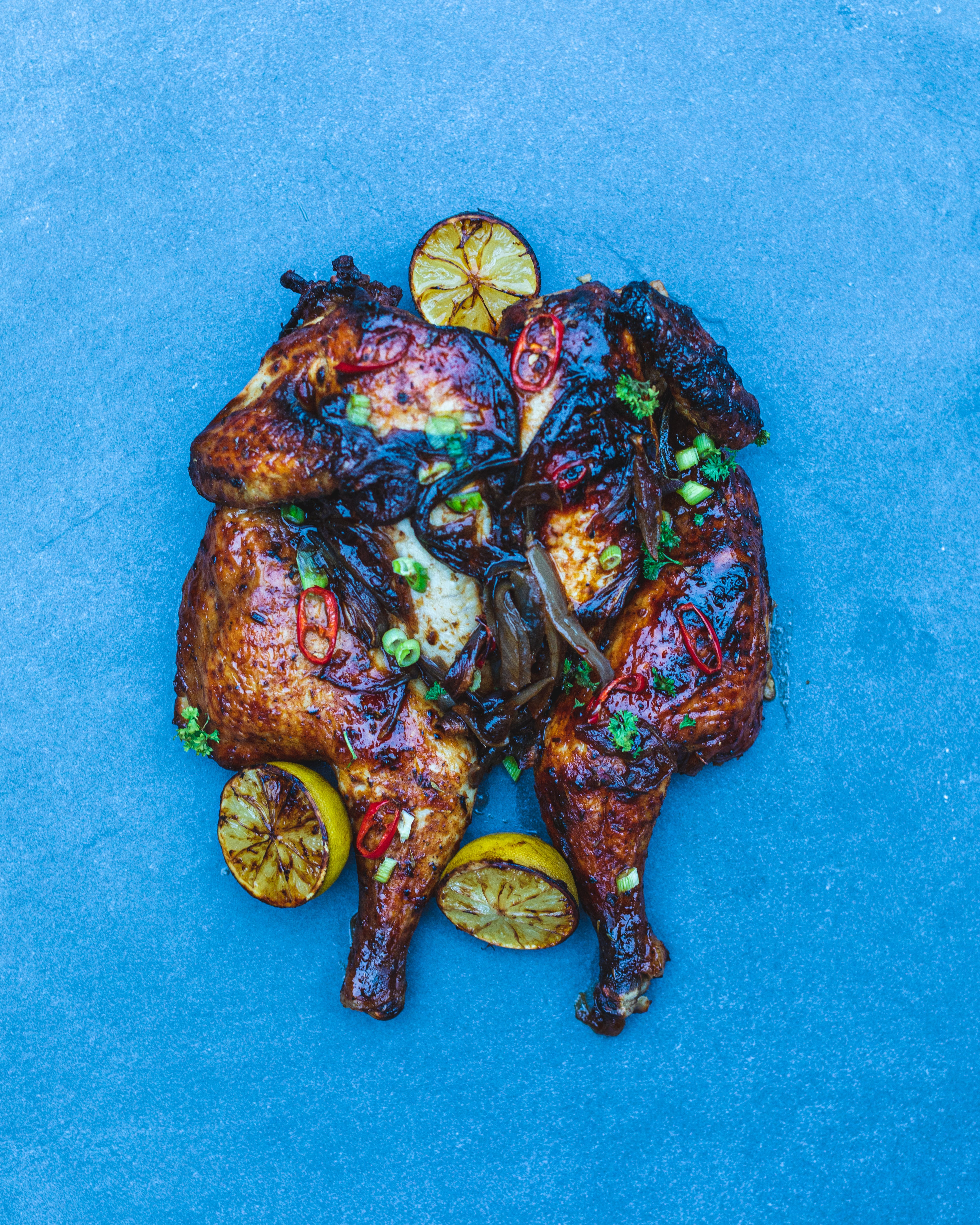 FAMILY HAMPER - LARGE CLASSIC ROASTED CHICKEN + DESSERT (SERVES 4 - £16 p/head)
