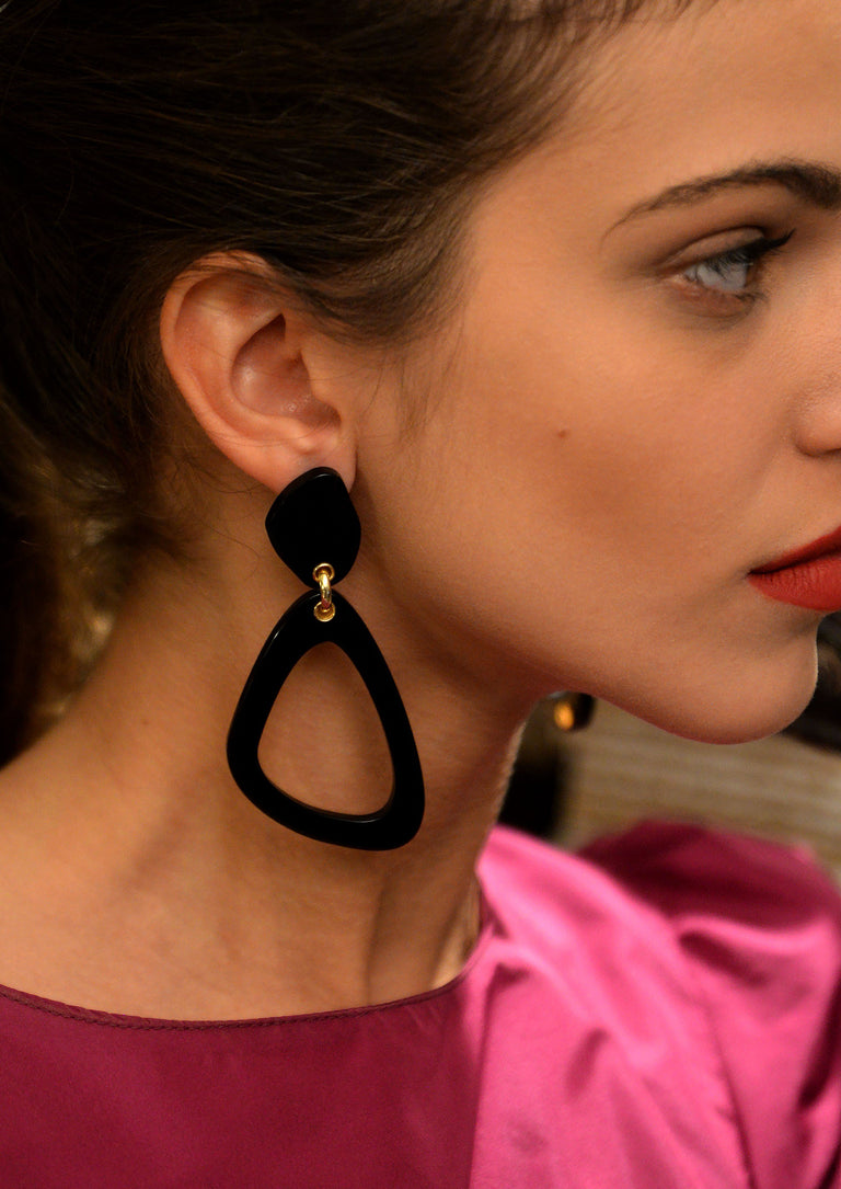 THE ECLECTIC OUTLINE BLACK EARRINGS