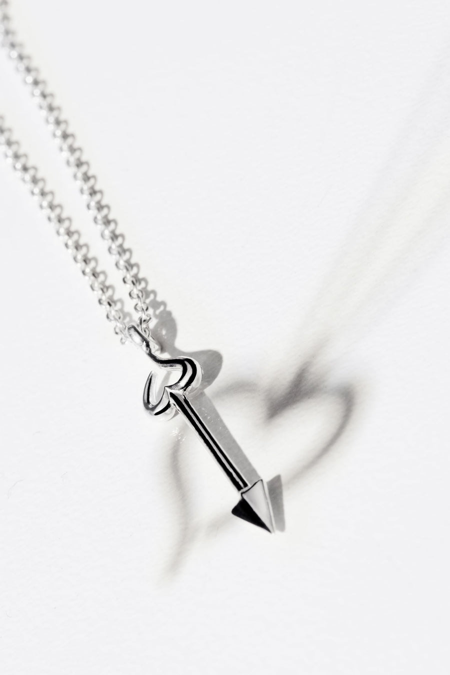 The Essential Love's A-Round Arrow Silver 925° Necklace