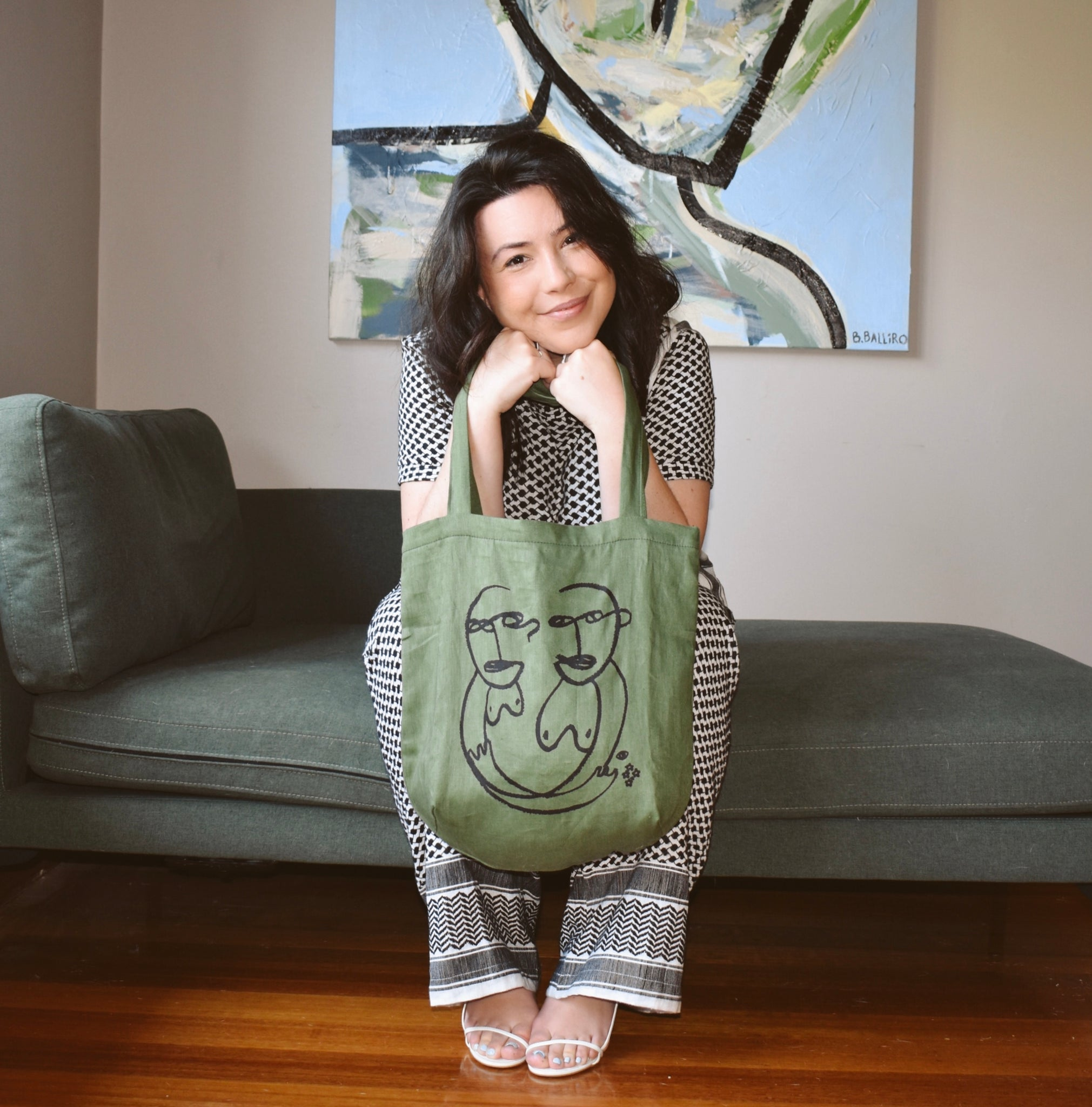 Bianca and her Sisterly Tote, in olive
