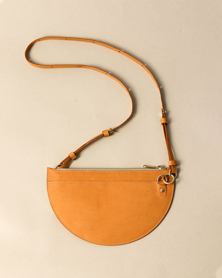 m crescent moon bag / banksia