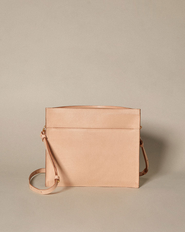 crescent moon bucket bag / natural