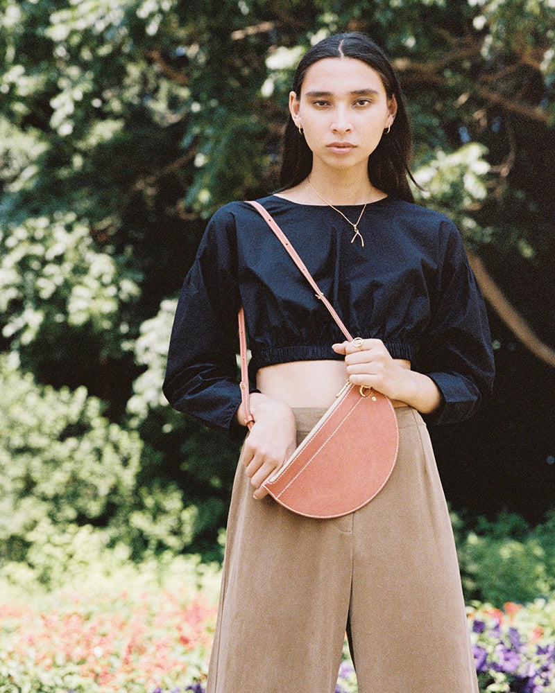 m crescent moon bag / red earth