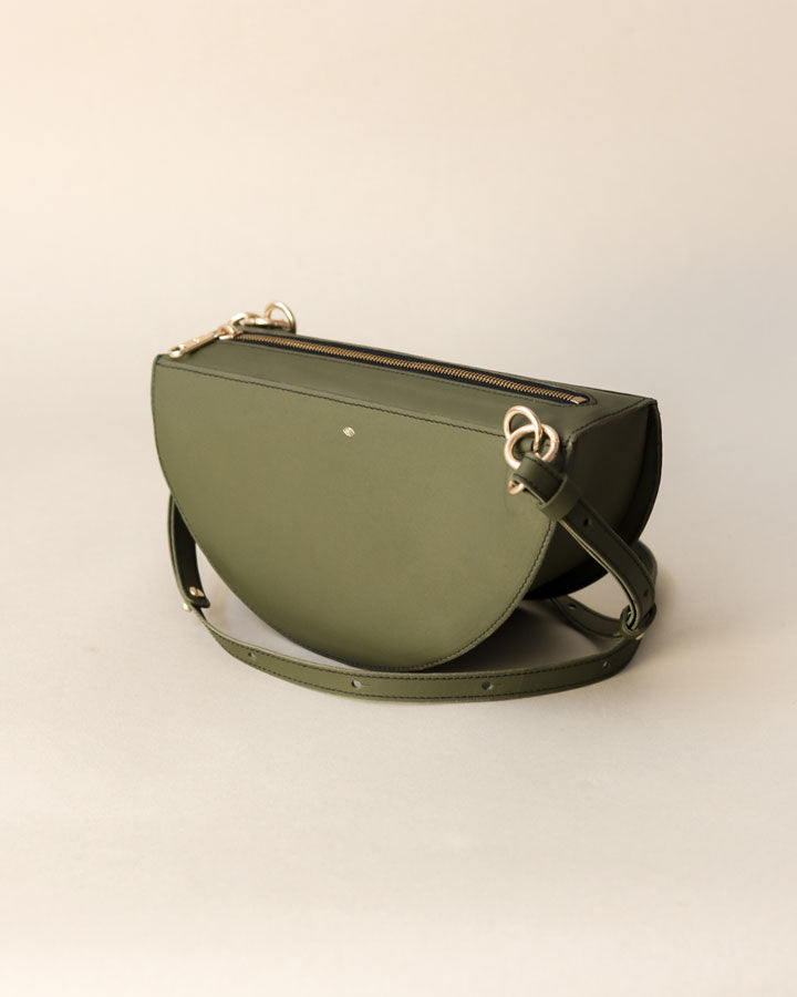 thick crescent moon bag / olive