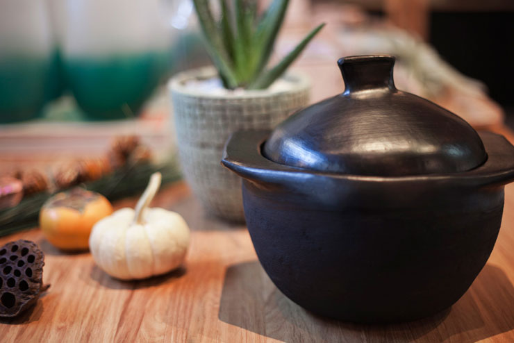 Oscuro pot for fall soups