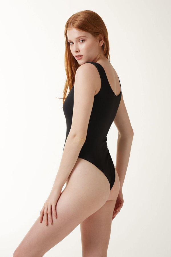 IVA Body - Black