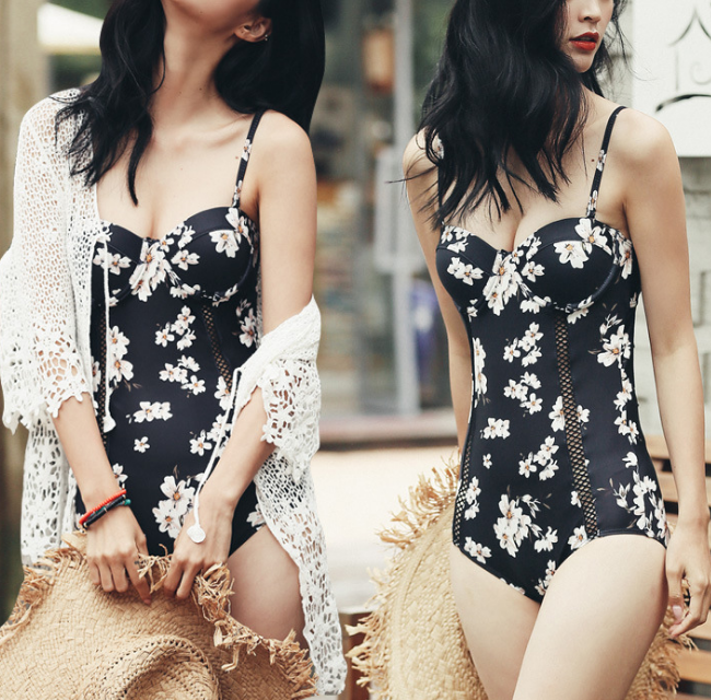 Fashion Sexy Floral Triangle Swimsuit