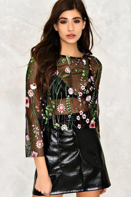 Embroidery Round Neck Long Sleeves Tops