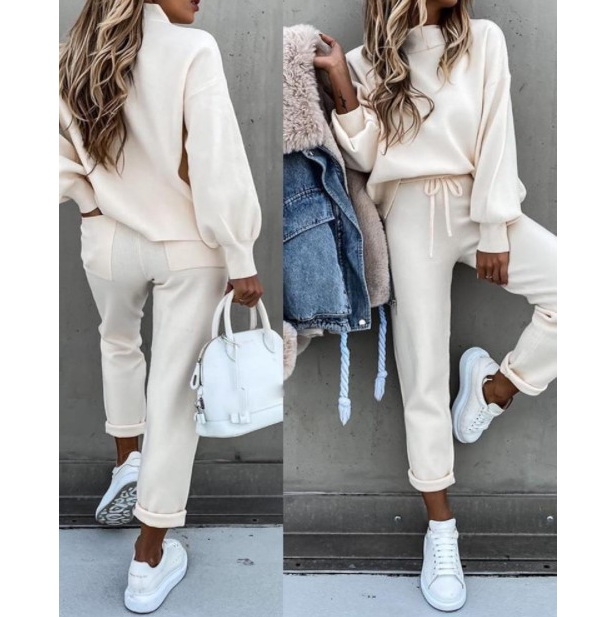 Long-Sleeved Solid Color Pocket Sweater Suit