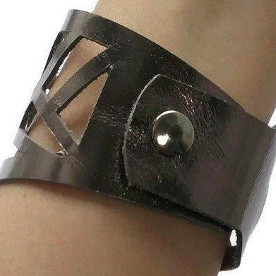 Barcelona Leathe cuff. Reclaimed Leather wrist band. Leather cuff Bracelet. Dark Silver Metallic Color - Handmade Recycled Glass Jewelry