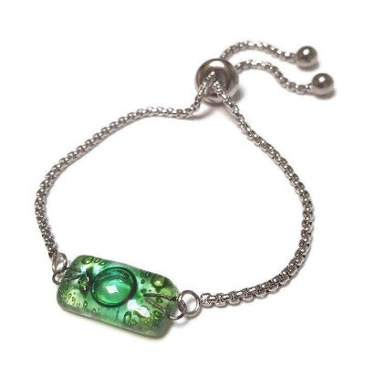 Green Stainless Steel Box Chain Slider Bracelet. Minimalist, Dainty, Pull Tie bracelet. Adjustable slider bracelet with recycled glass charm