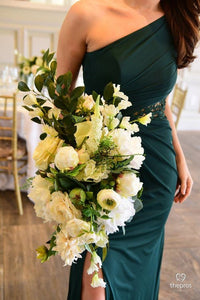 Charlotte Classic  Bouquet Wedding Rental