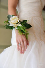 Load image into Gallery viewer, Charlotte Classic Wrist Corsage Rental