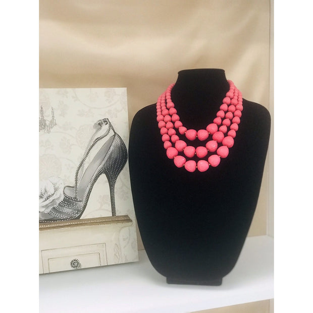 Triple layered beaded necklace set