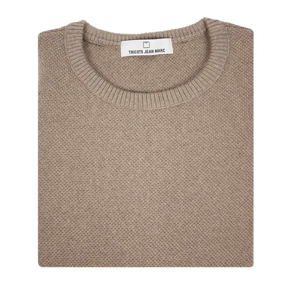 Pull tricoté en France. Maille taupe.