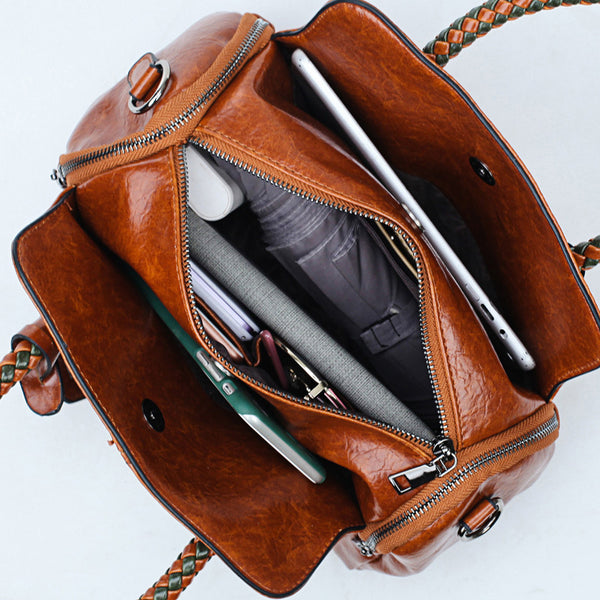 Vintage Solid Rivet Female Handbags
